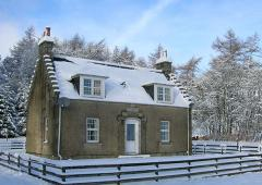 Dalmunzie Cottage in Winter Season