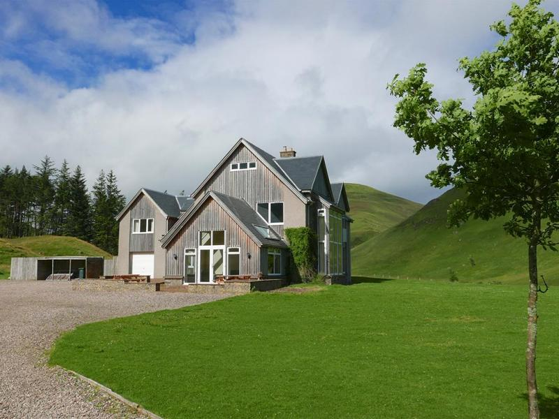 NEW Dalmunzie House sleeps 18