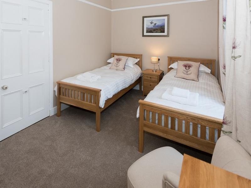 Dower House twin bedroom